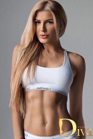 Latoya Blonde
